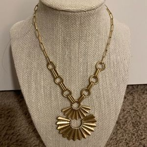 Beautiful new gold fan adjustable necklace!